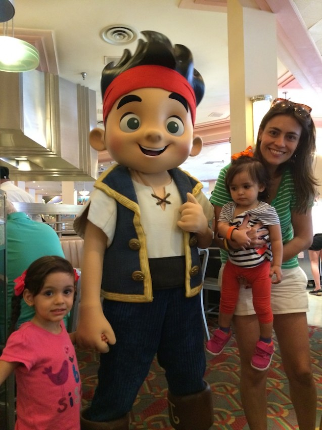 character dining almoço com personagem Disney Jake