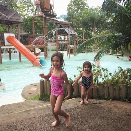 Hot park piscina infantil
