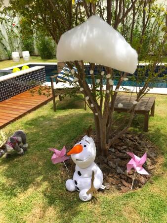 Olaf no verão aniversario anna frozen fever nuvem neve